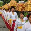 Tradisi Mepeed di Bali