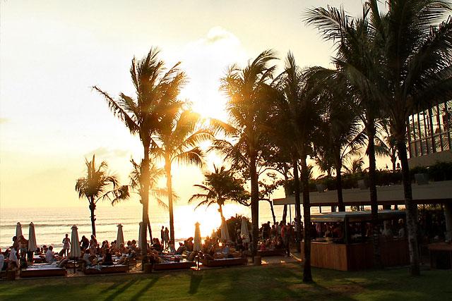 Pantai Petitenget Bali